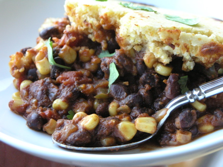 Zesty Vegetarian Chili with Cornbread Topping | StreamingGourmet - The ...