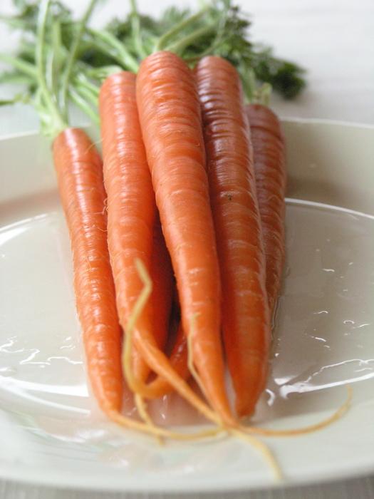 Braised Saffron Carrots Recipe — Dishmaps