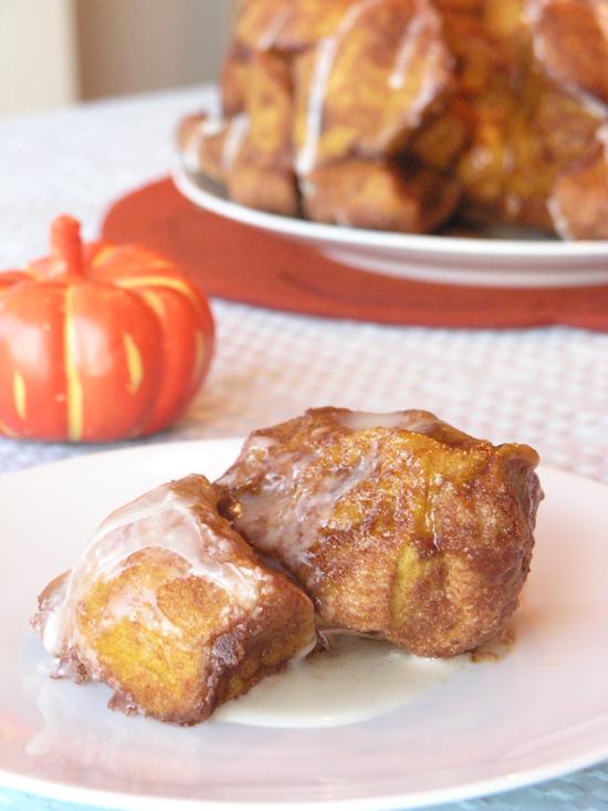 Pumpkin Pull-Apart Cinnamon Buns